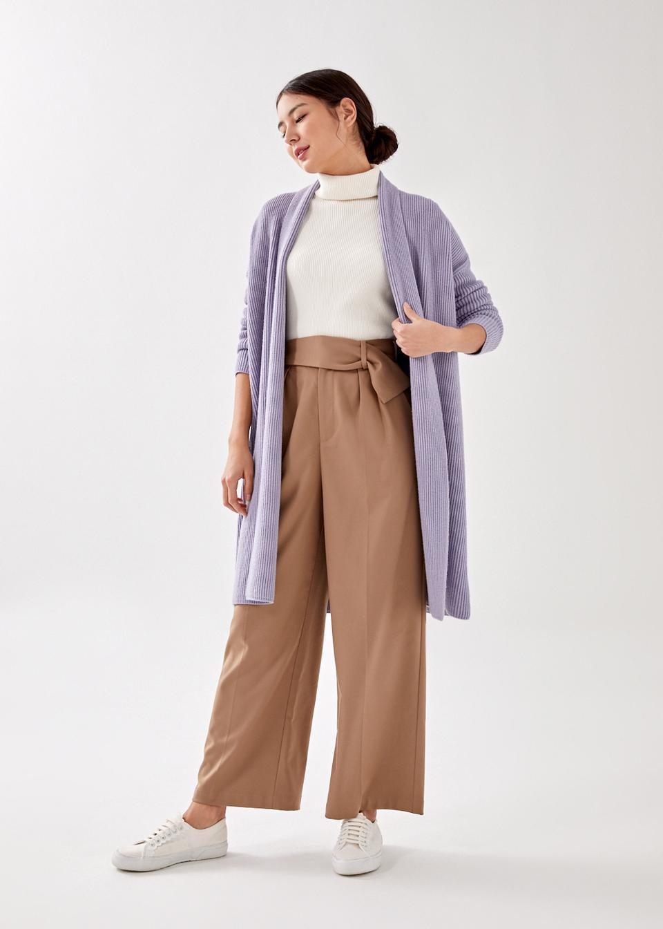 軟綿又療癒的粉紫色針織外套