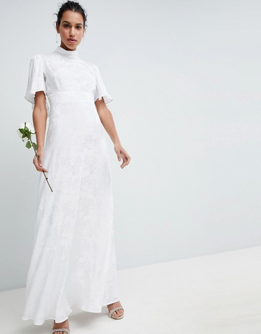 maxi dress in soft jacquard with flutter sleeve