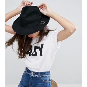 ASOS:個性黑色紳士帽
