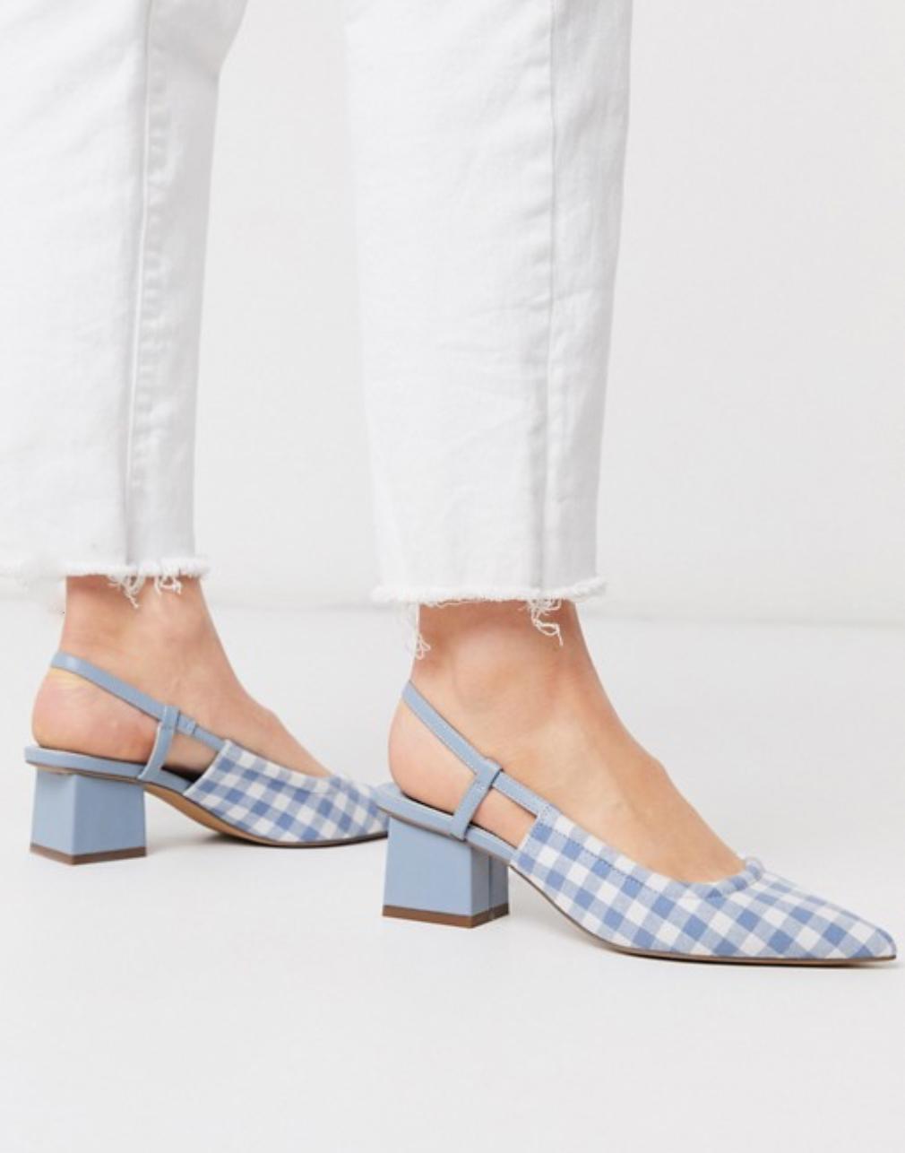 可愛的野餐格紋涼鞋