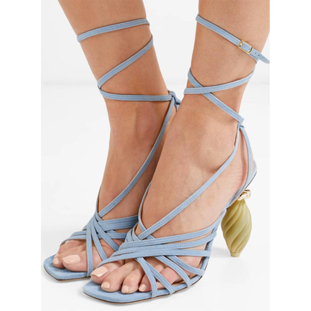 四折:JACQUEMUS 充滿夏日海洋風情的涼鞋