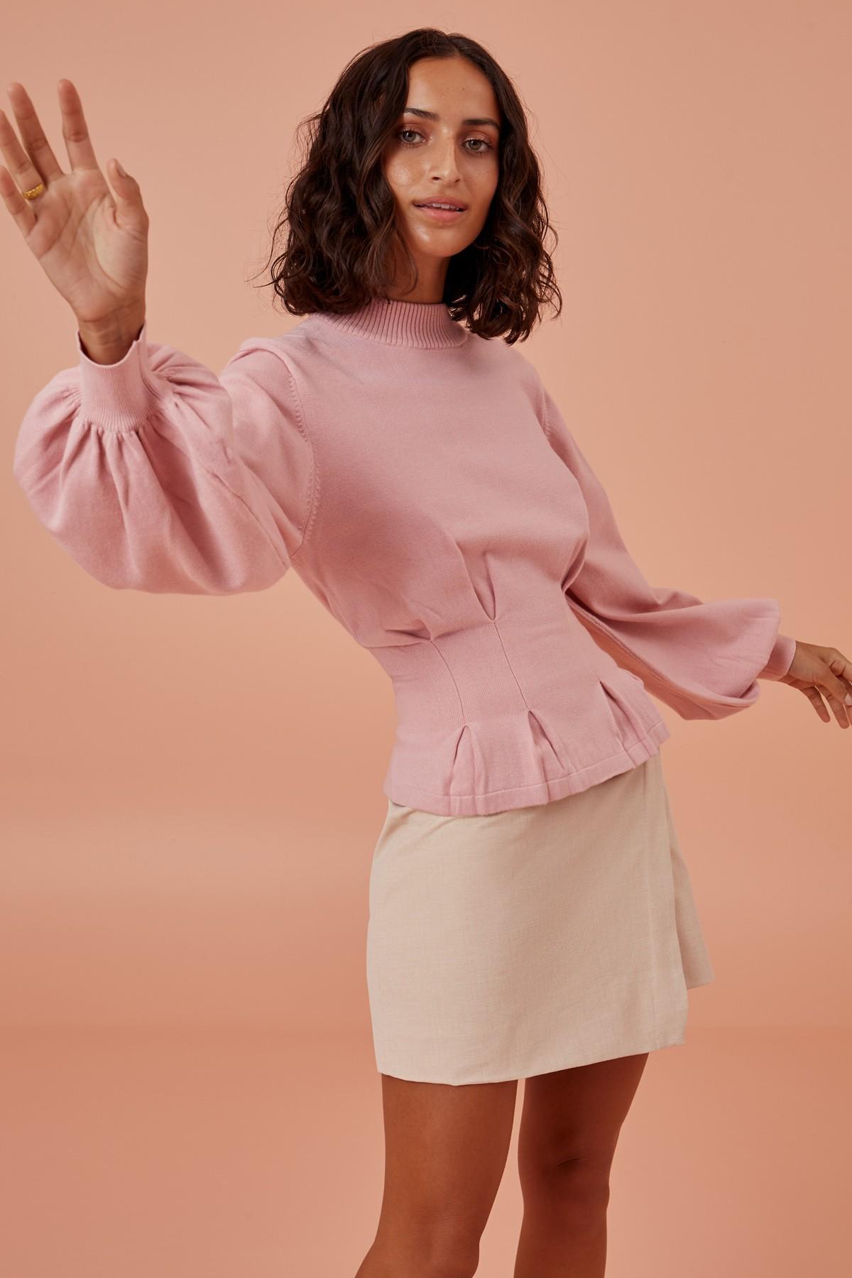 溫柔親和力滿分的粉色針織