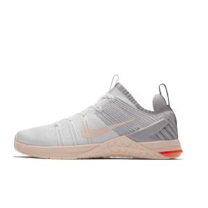 想幫愛運動的媽媽買一雙新跑鞋